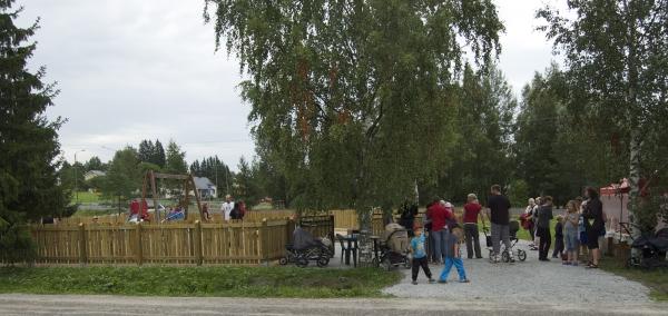Leikkipuisto_avajaiset_2011